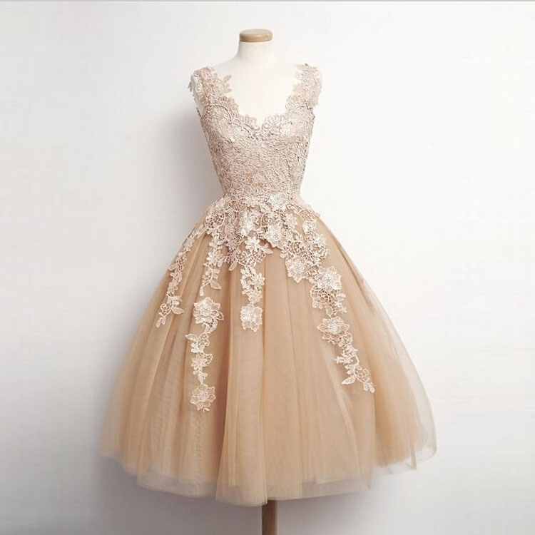 Champagne Knee Length Graduation Homecoming Dresses With Appliques ...